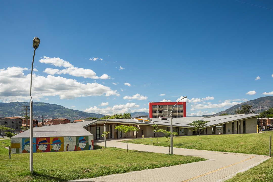 (46)Biblioteca Manuel Mejia Vallejo