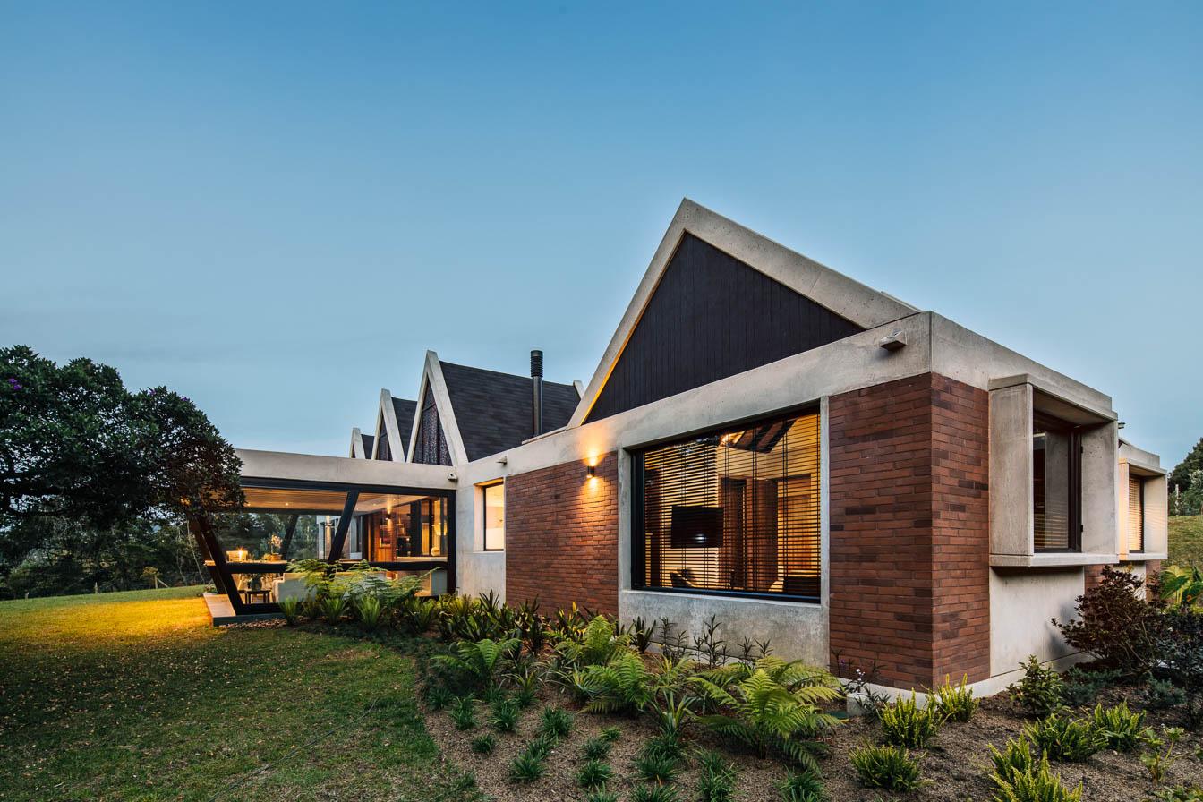 Casa En Envigado 2 - Plan:B Arquitectos