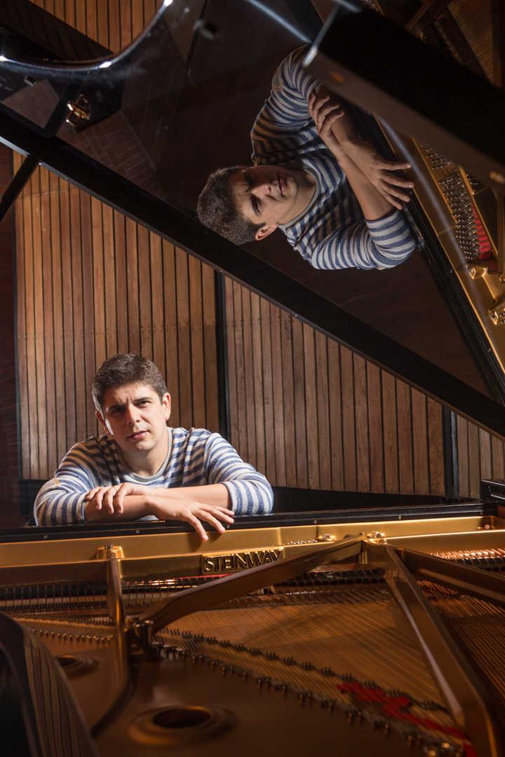 8Javier Perianes Pianista - Revista Proteccion